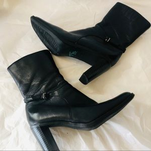 Thom McAn leather boots